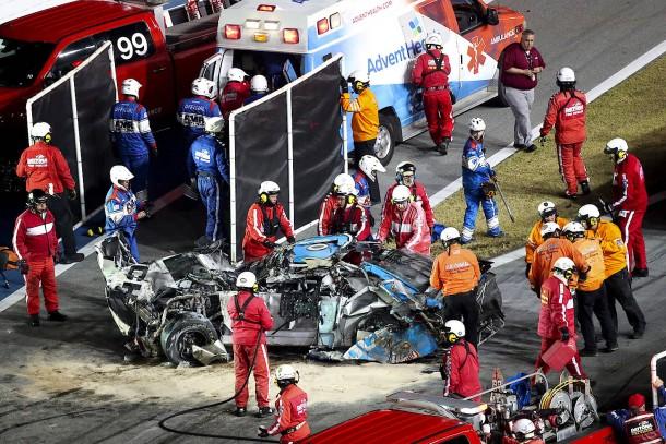 Schwerer Unfall überschattet Nascar-Rennen