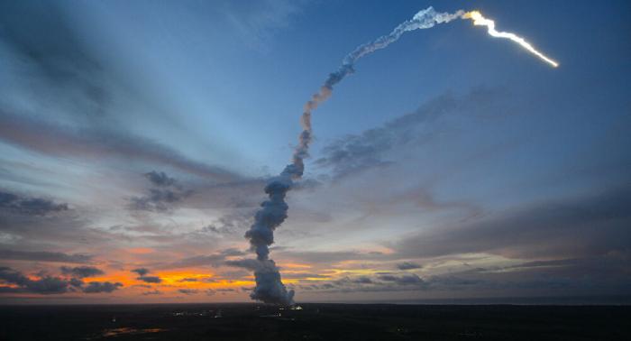 Europäische Ariane-Rakete startet in Kourou mit zwei Satelliten an Bord–  Video