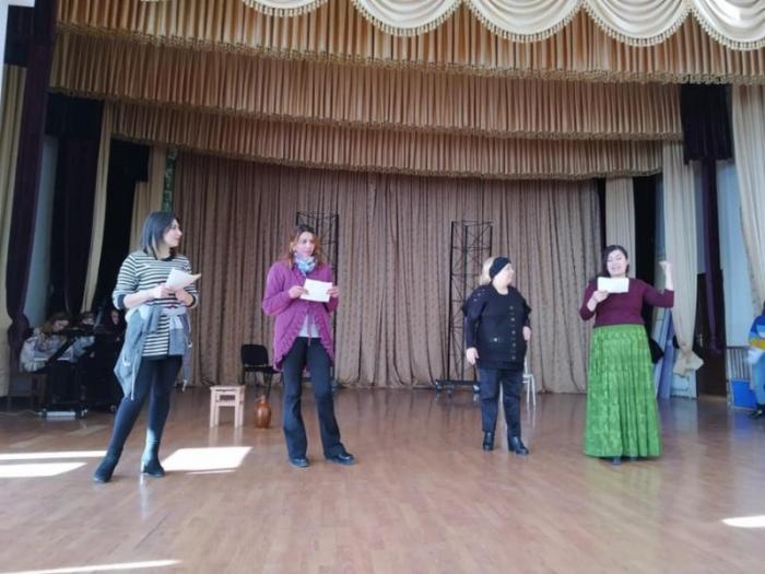 Ləzgi Dram Teatrında ingilis dilində tamaşa