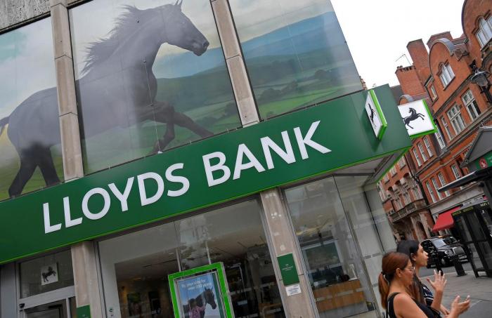 Faule Kredite und Skandale drücken Gewinn von Großbank Lloyds