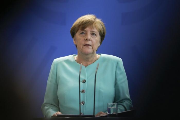 Merkel sieht Belege für rechtsextremistischen Hintergrund in Hanau