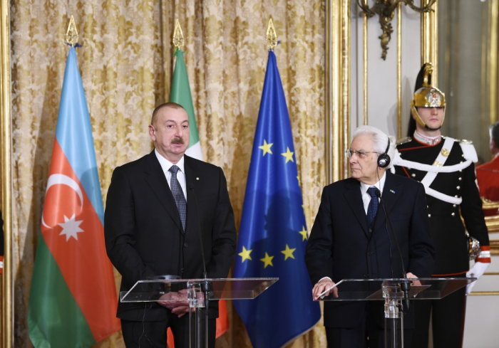 Azerbaijani, Italian presidents make press statements