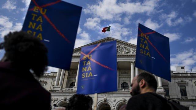 Le Parlement portugais vote en faveur de l