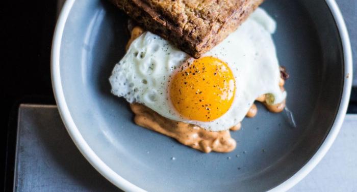 ¿Сómo hacer un huevo frito perfecto?