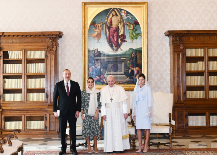 İlham Əliyev və birinci xanım Papa Fransisk ilə görüşüb - FOTOLAR (YENİLƏNİB)