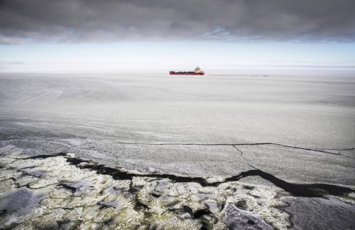 La ONU limita el uso de los combustibles más sucios y peligrosos en el Ártico