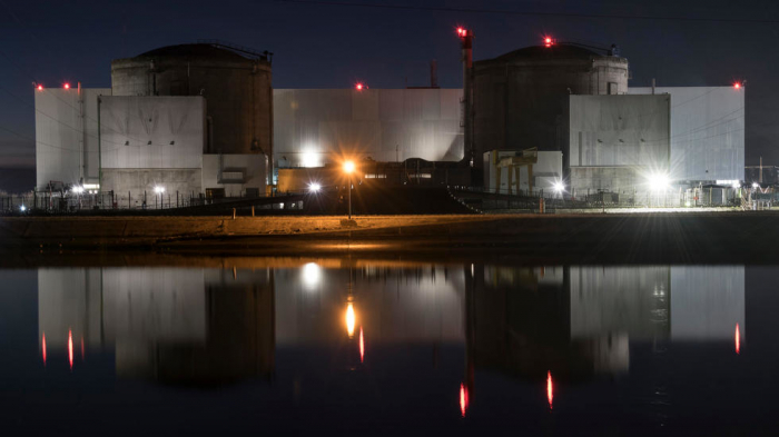 France begins shutting down oldest nuclear plant