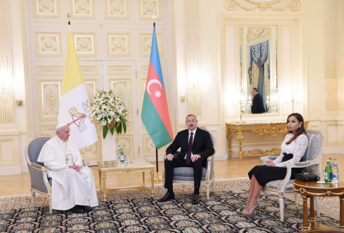President Ilham Aliyev meets with Pope Francis in Vatican - PHOTOS