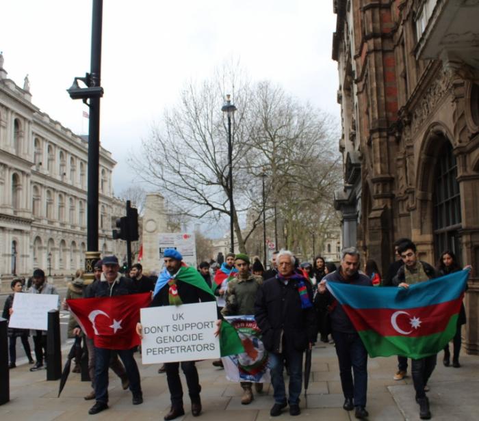 Une marche en mémoire du génocide de Khodjaly organisée à Londres