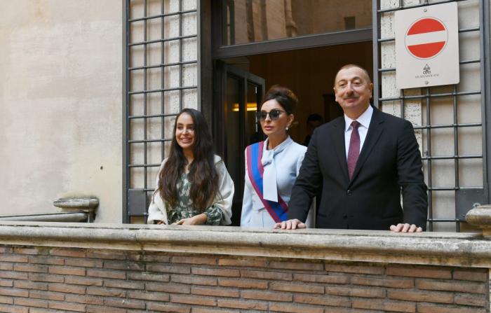 President Ilham Aliyev and first lady Mehriban Aliyeva viewed Sistine Chapel and St. Peter