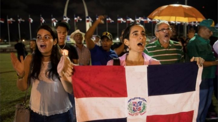 Dominicans take to the streets in protest after electionsuspension