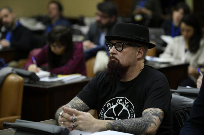 El Constitucional se inclina por anular la condena al cantante Strawberry por enaltecimiento