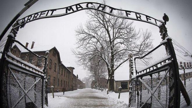 Hunters: Jewish groups criticise Holocaust portrayal in Amazon show