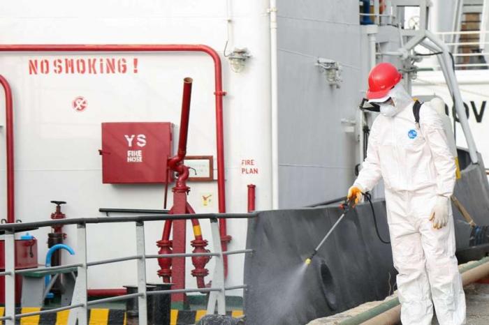 Gəmilər koronavirusa qarşı dezinfeksiya edilir