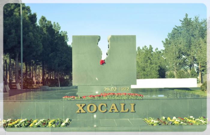 Azerbaiyán llora el genocidio de Joyalí