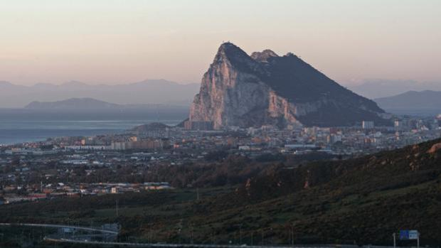 El futuro de Gibraltar después del Brexit empieza a jugarse en Algeciras