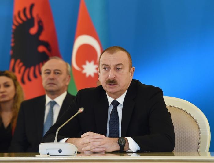 Prezident nazirlərin toplantısında - FOTOLAR (YENİLƏNİB)