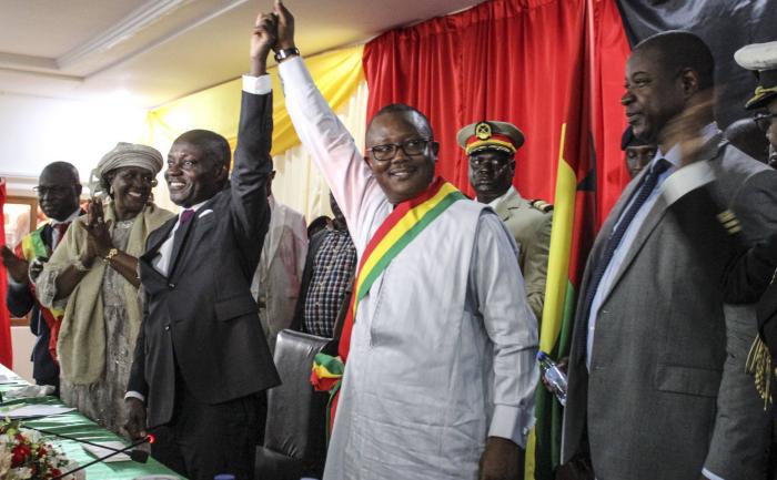 Embaló desafía al Supremo y se autoproclama presidente de Guinea-Bisáu