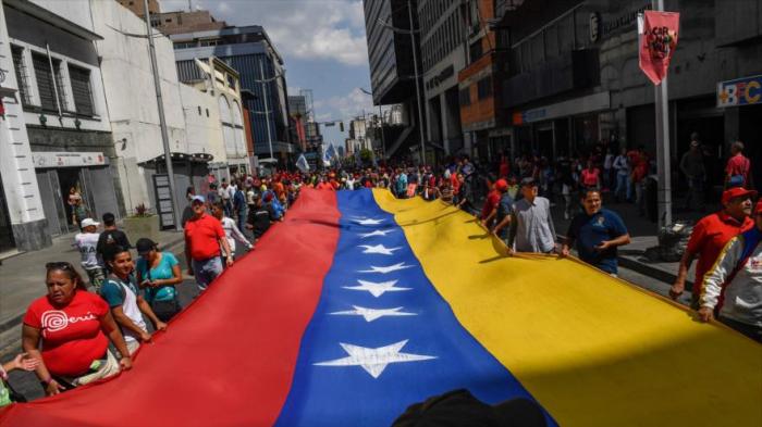 """Venezolanos marchan para conmemorar 31 años del """"Caracazo"""""""