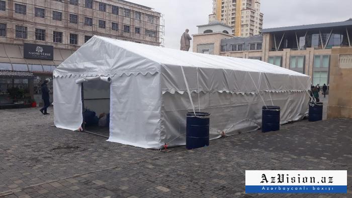 Bakıda bayram çadırlarının qurulmasına başlanılıb