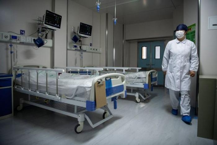 Coronavirus: le bilan atteint 2000 morts en Chine