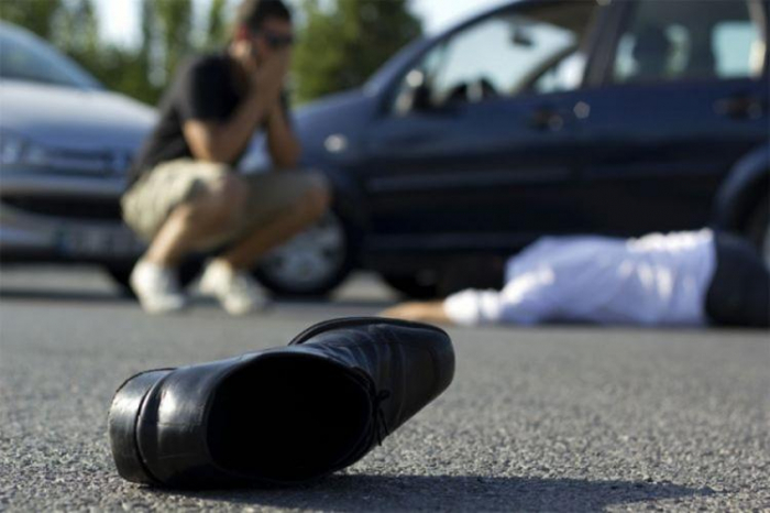 Bakıda avtomobil piyadanı vurub öldürdü