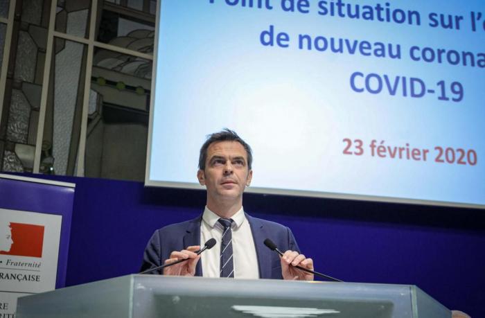 Coronavirus:   la France commande des millions de masques de protection