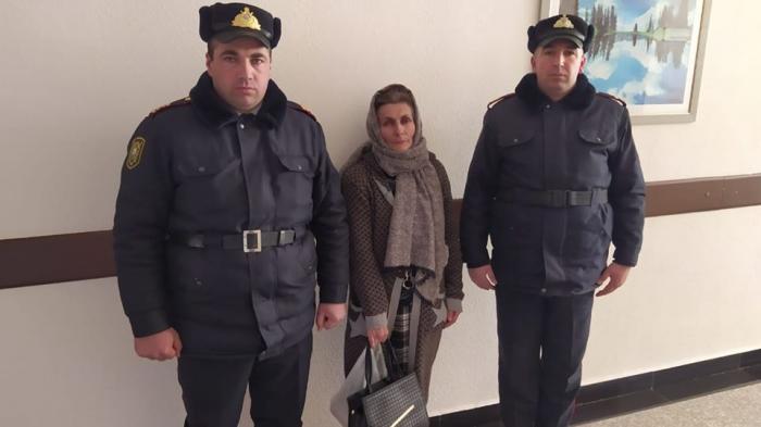 Polis itkin düşən 55 yaşlı qadını tapdı