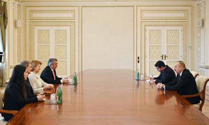 Le président Ilham Aliyev reçoit lareprésentante commerciale du Premier ministre britannique