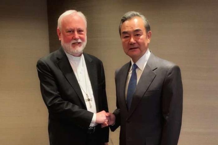 Chine-Vatican: très rare rencontre entre ministres des Affaires étrangères