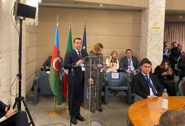 Italia presenta la capacidad de transporte de carga por los ferrocarriles de Azerbaiyán