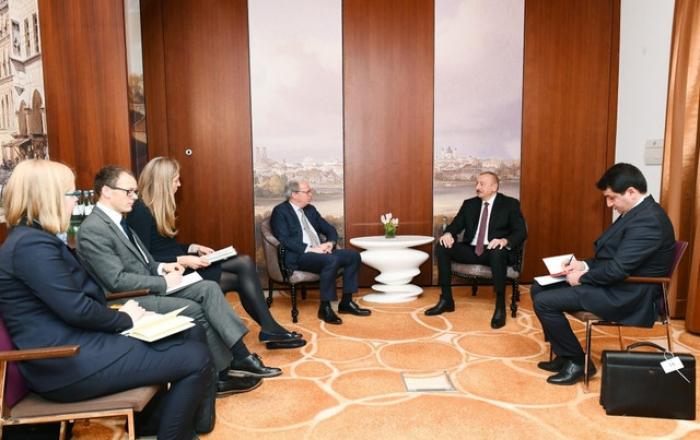Presidente azerbaiyano se reúne con el director general del Banco Mundial en Múnich