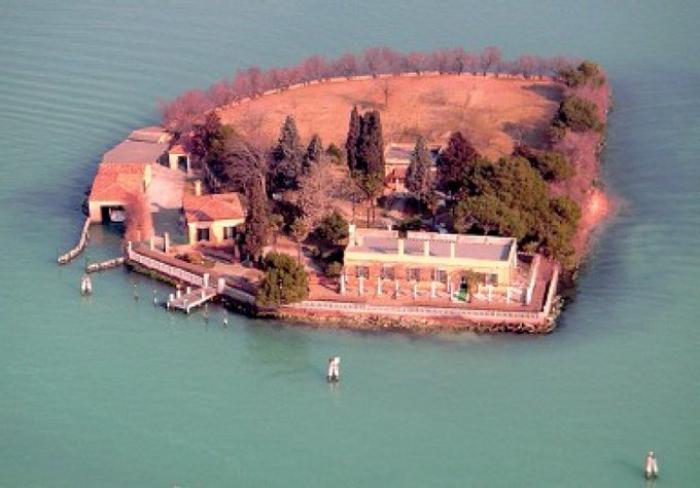 L'une des îles de Venise mise en vente