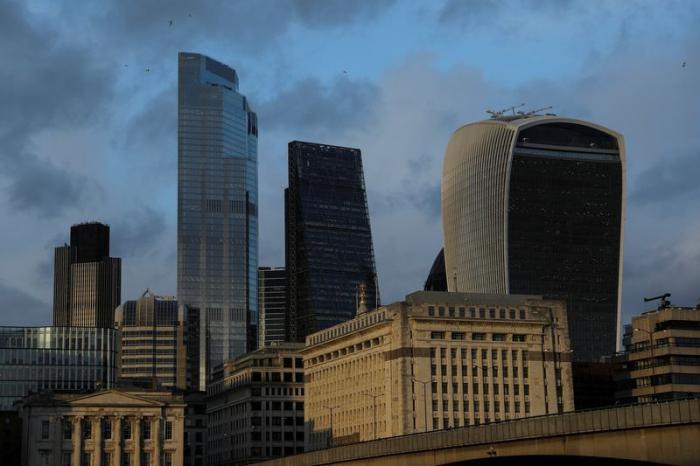 Britain wants binding obligations on access to EU financial market