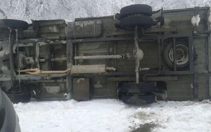 Ermənistanda hərbi maşın aşıb: 6 əsgər yaralanıb