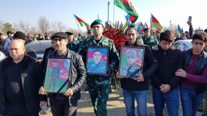 Azerbaiyán se despide al soldado fallecido