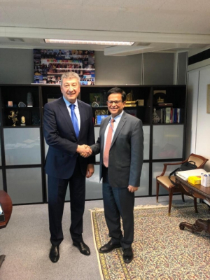 Vicecanciller azerbaiyano se reúne con el subsecretario general de la ONU