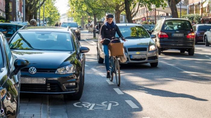 Sicherheit von Radfahrern und Tempolimit auf der Tagesordnung