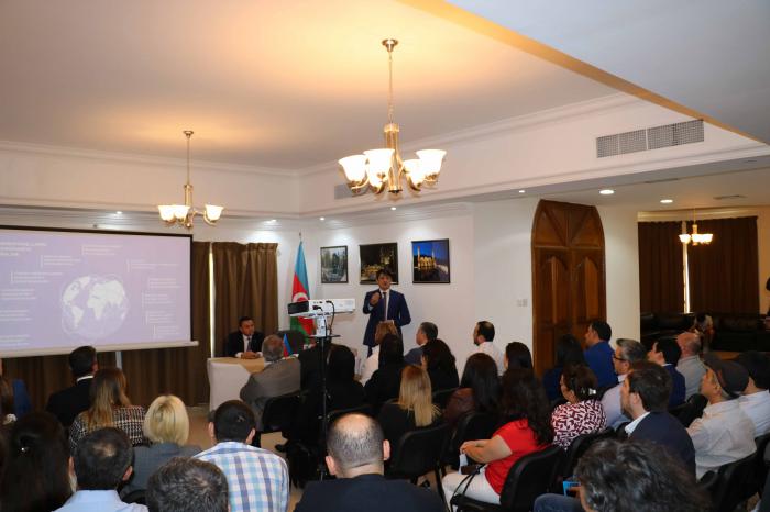 Dubayda azərbaycanlılarla görüş keçirilib