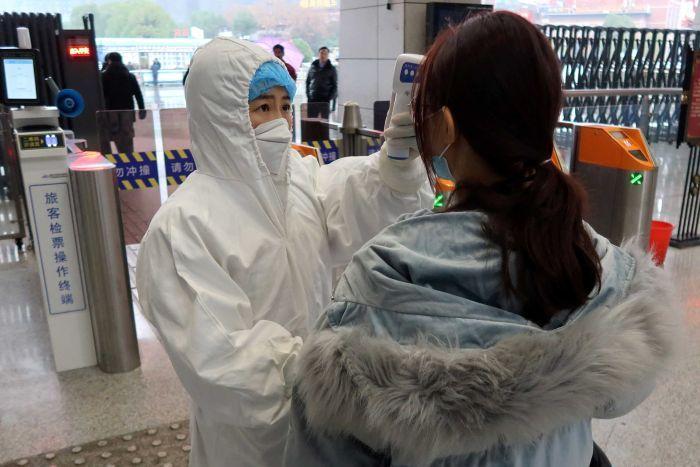 Coronavirus threat sees Australia again extend China travel ban
