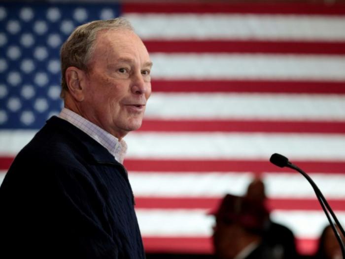 Le milliardaire Michael Bloomberg présent au prochain débat démocrate