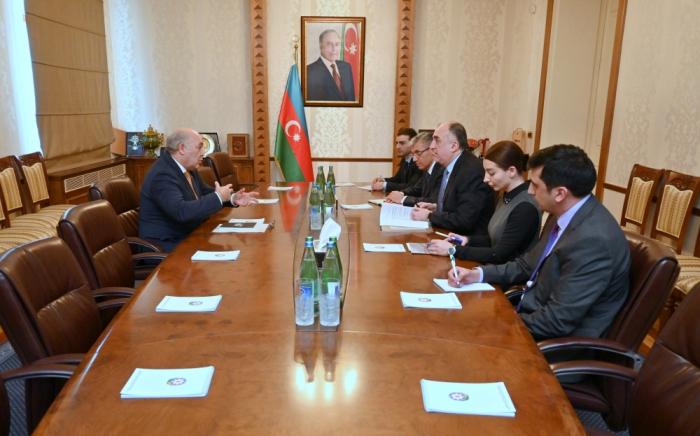 Canciller Mammadyarov se reunió con el Encargado de Negocios ad interim de Chile
