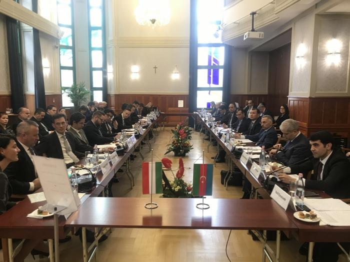 Azerbaiyán y Hungría firmaron un protocolo