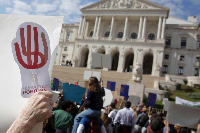 Portugal votes to legalise euthanasia despite protests from church groups
