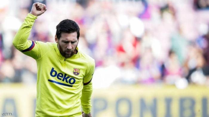 """ميسي يرفض الوقوف مع رئيس برشلونة بقضية """"التقرير الفضيحة"""""""