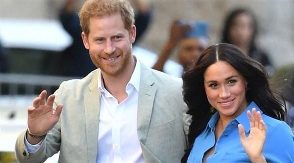 """العائلة المالكة البريطانية تدرس منع الأمير هاري وزوجته من استخدام كلمة """"ملكي"""""""