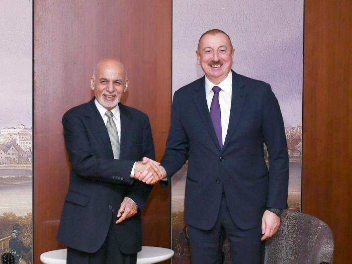 Präsident Ilham Aliyev trifft sich mit seinem afghanischen Amtskollegen in München