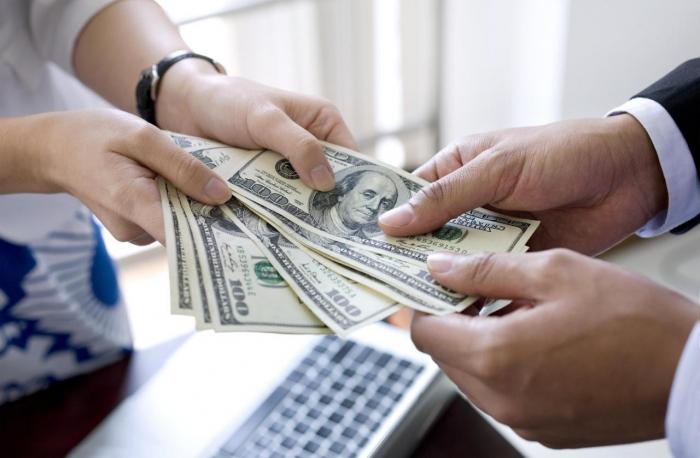 Ödənişi gecikdirilmiş kreditlər 1,2 milyaddan çoxdur