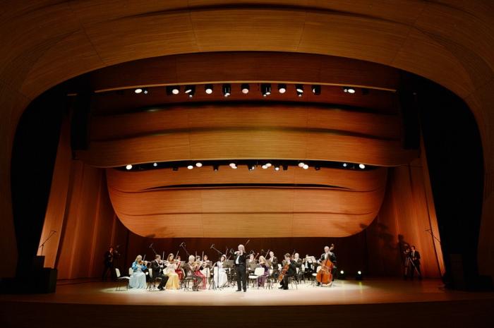 Heydar Aliyev Center hosts concert by Strauss Festival Orchestra Vienna