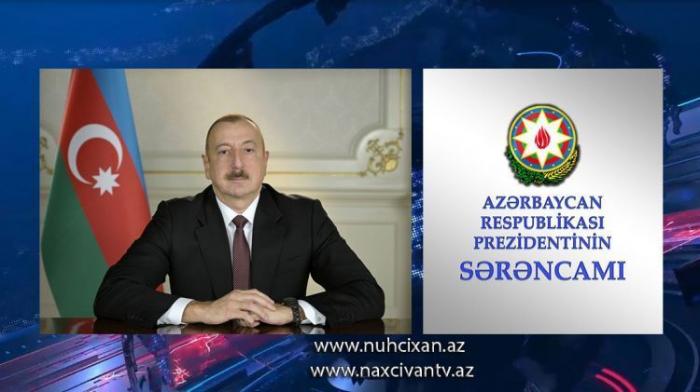 Prezident Naxçıvanın avtomobil yolu işçilərini təltif edib